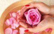ACQUA DI ROSE: 10 BENEFICI STRAORDINARI PER LA PELLE