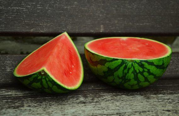 10 benefici dell'anguria: il frutto dell'estate