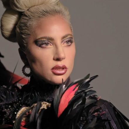 "LADY GAGA E LA SUA ""KOREAN ROUTINE"""