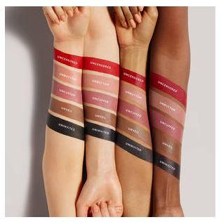 Immagine delle colorazioni dei rossetti direttamente sulla pelle.