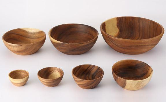 Immagine delle ciotole di legno di Muji