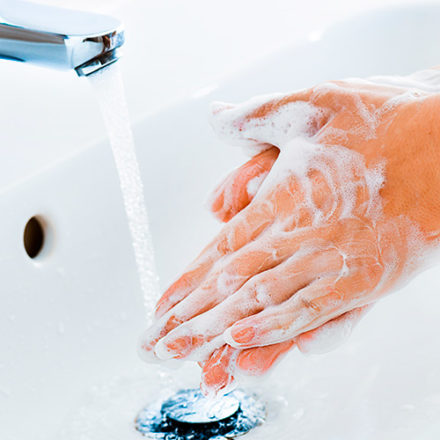 Coronavirus: come lavarsi le mani nel modo corretto