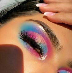 Foto makeup occhi multicolor trend 2020