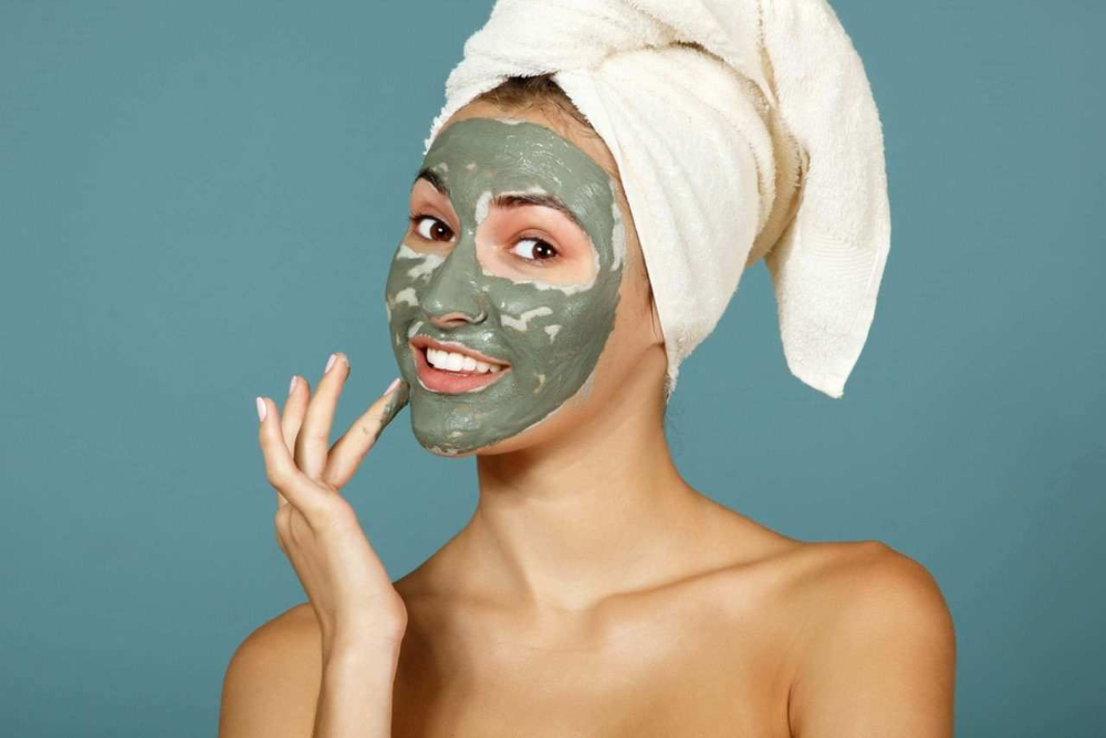 10 HOMEMADE DIY FACE MASKS FOR OILY SKIN