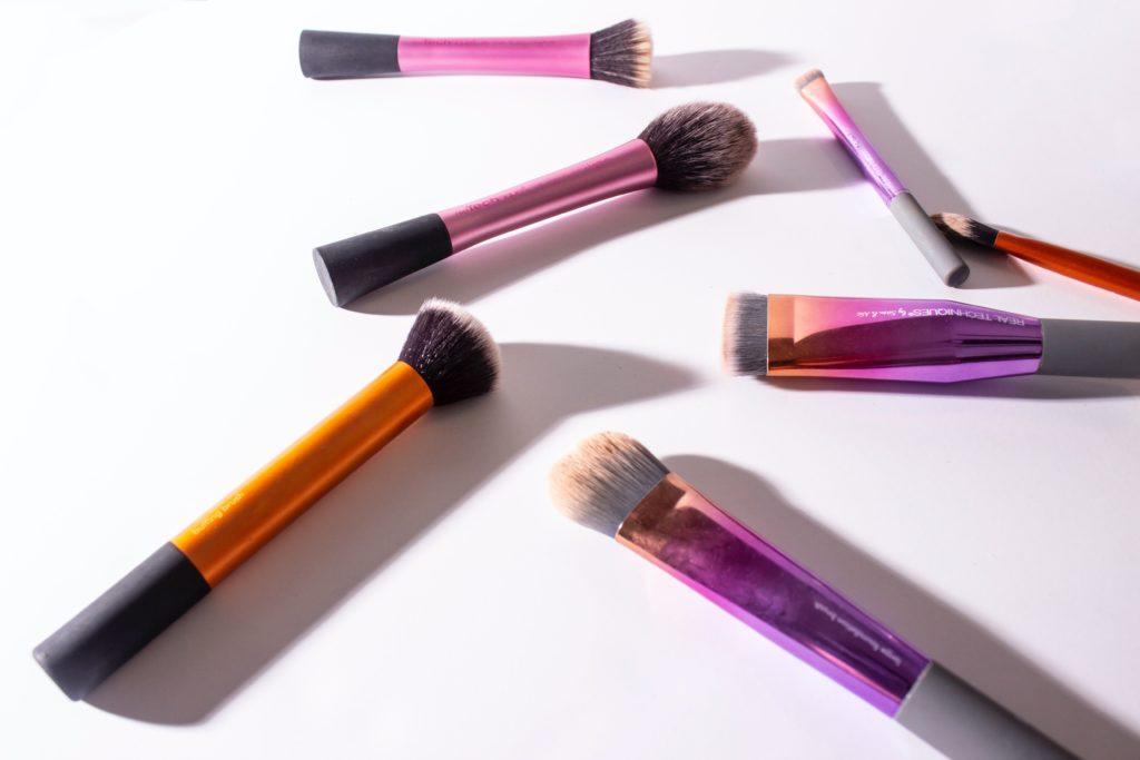 Pulizia pennelli da make up durante la skin care routine