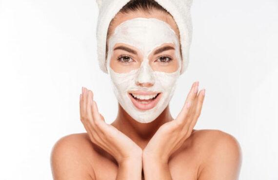 10 maschere viso fai da te anti punti neri: dalla natura le più efficaci