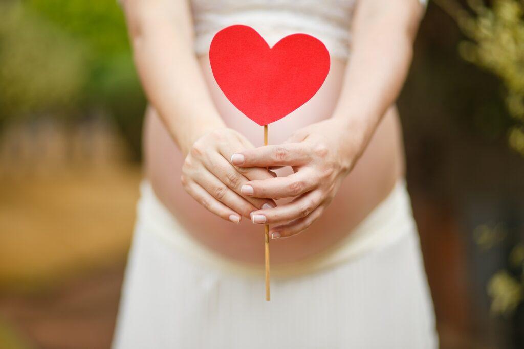 Benefici dell'olio essenziale di limone sulla gravidanza