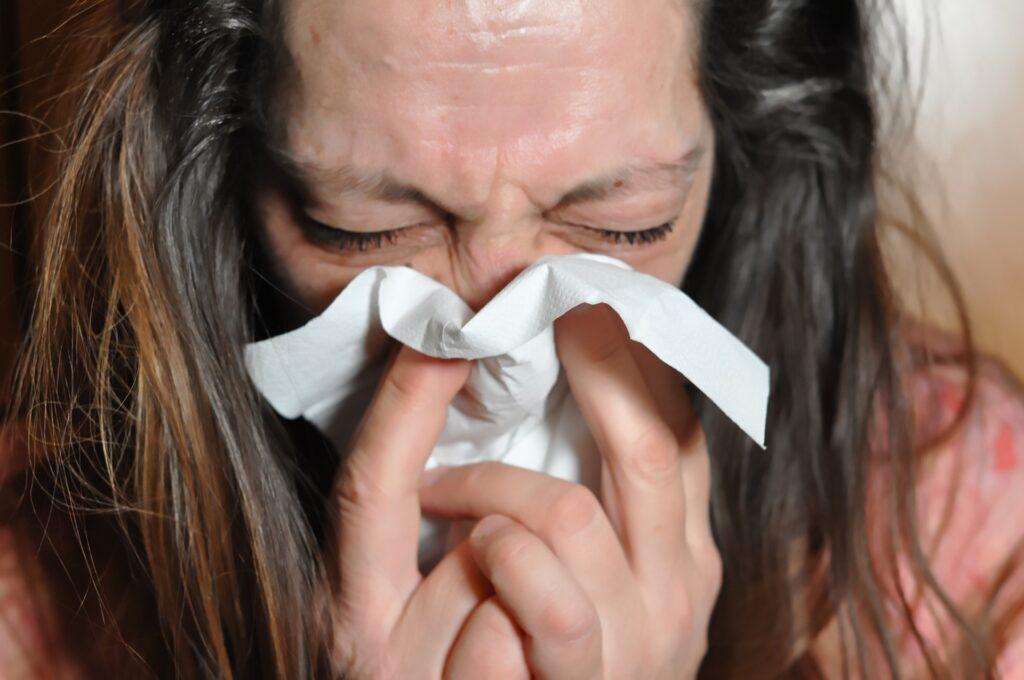 Benefici dell'olio essenziale di mirra su raffreddore
