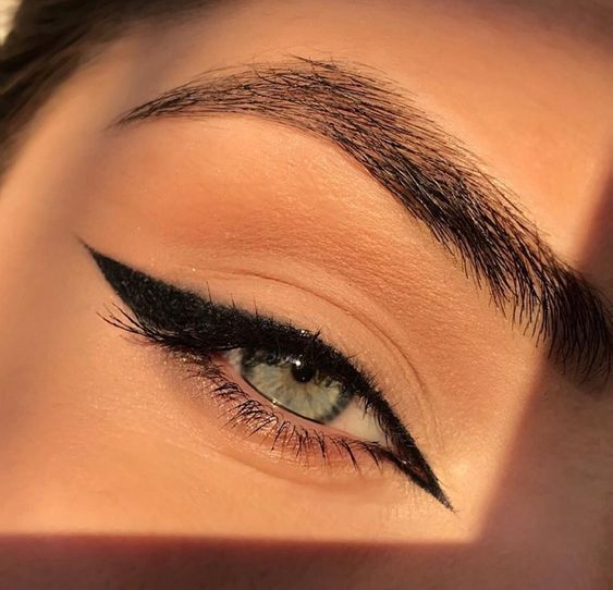 eyeliner-cataldi-beauty-makeup-looks-tendenze-makeup-autunno-inverno-2020